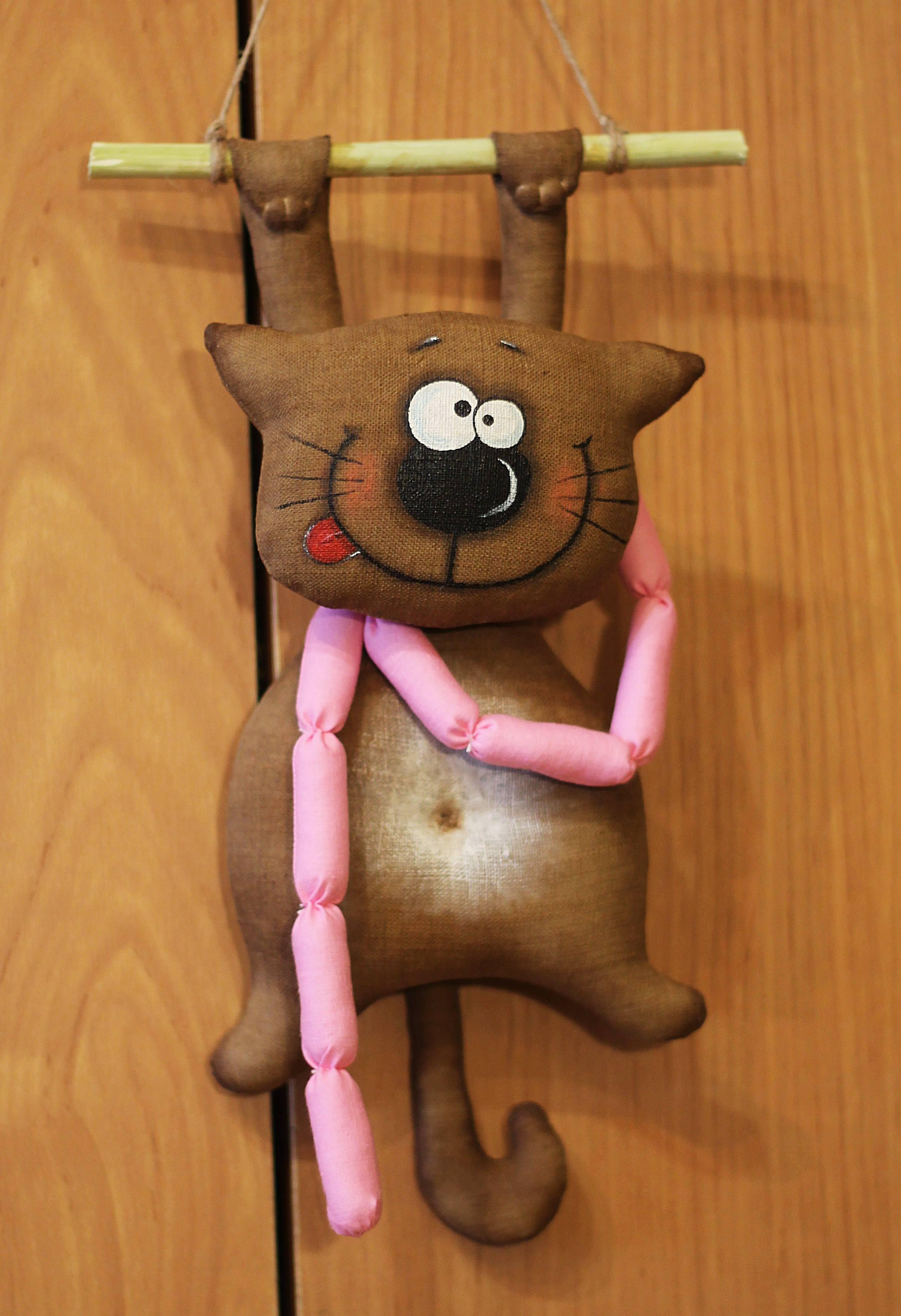 Где можно найти интересные выкройки для кота мягкой игрушки?